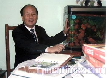 Шанхайский адвокат-правозащитник Чжен Энчун. Фото с epochtimes.com