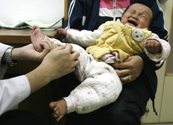 Китайские власти снова пытаются скрыть реальную ситуацию с эпидемией HFMD в стране. Фото с epochtimes.com