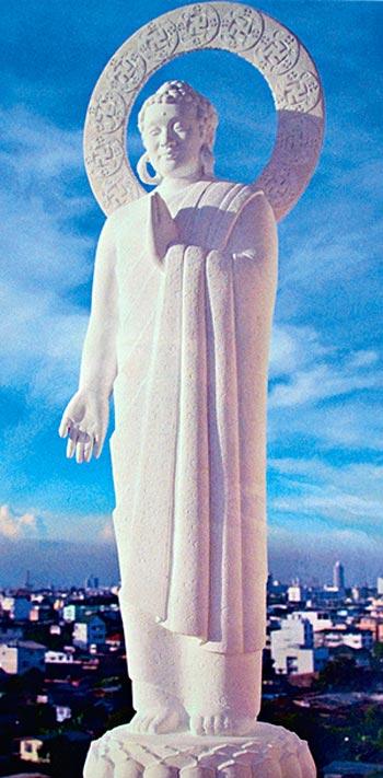 Скульптура Будды, которую создал Лю несколько лет назад. Он говорит, что практика   Фалунь Дафа оказала глубокое позитивное влияние на его творчество. Фото: Великая Эпоха (The Epoch Times)