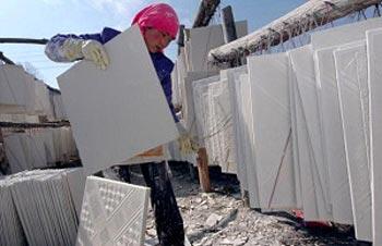 Стены из гипсокартона китайского производства, опасны для здоровья. Фото: China Photos/Getty Images