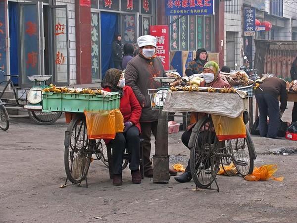 На рынке. Провинция Ганьсу. Фото: Zhenda
