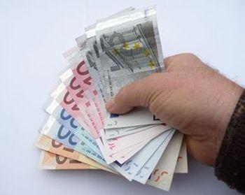 Эти деньги, по крайней мере, хорошо напечатаны. Фото: Клаус-Уве Герхардт/pixelio.de