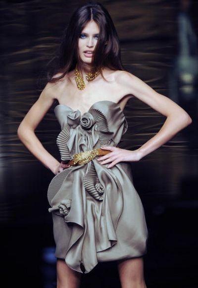 Показ весенне-летней коллекции Ermanno Scervino в рамках Недели высокой моды в Милане. Фото: CHRISTOPHE SIMON/AFP/Getty Images