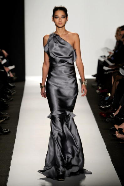 Коллекция от Badgley Mischka. Фото: Frazer Harrison/Getty Images