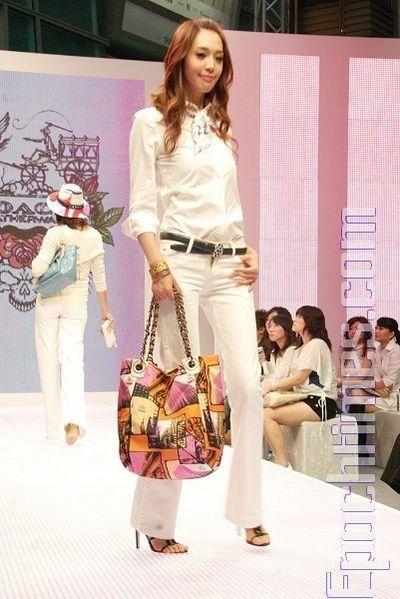 Женская коллекция сумок Coach. Фото: Хуань Цзунмао/Великая Эпоха