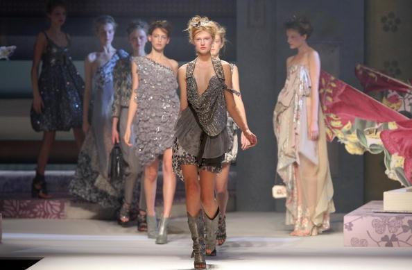 Новая коллекция Антонио Марраса для дома Kenzo на показе Парижской Недели моды 4 октября. Фото: PIERRE VERDY/AFP/Getty Images