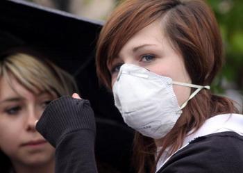 Великобритания лидирует по числу зараженных. На сегодняшний день, 25 июля, зарегистрировано более 11 тысяч случаев заболевания новым гриппом, 30 человек в результате болезни скончались. Фото: Matt Cardy/Getty Images