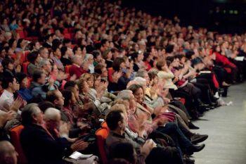 Всемирное турне-2009 в Парижском дворце конгрессов. Фото: Цзян Синь/Великая Эпоха