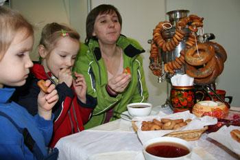 Семейное чаепитие. Фото: Оксана Щеткина /Великая Эпоха