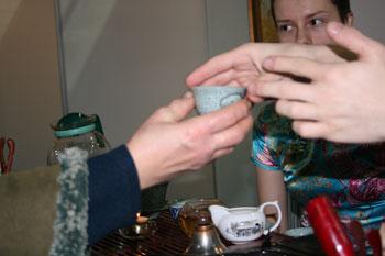Передавая тепло рук. Фото: Оксана Щеткина /Великая Эпоха