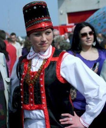 Девушка в традиционной одежде в Визе, Польша. Фото: Мария Зальцман/Великая Эпоха