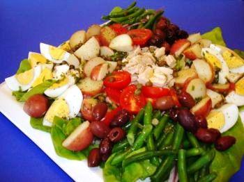 Ароматы южной Франции собраны в этом замечательном летнем салате. Фото: Сандра Шильдс /Великая Эпоха