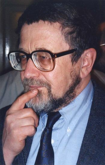 Лев Лосев после своего вечера в Литературном музее. Москва, 5.04.1998 г. Фото: С сайта gallery.vavilon.ru