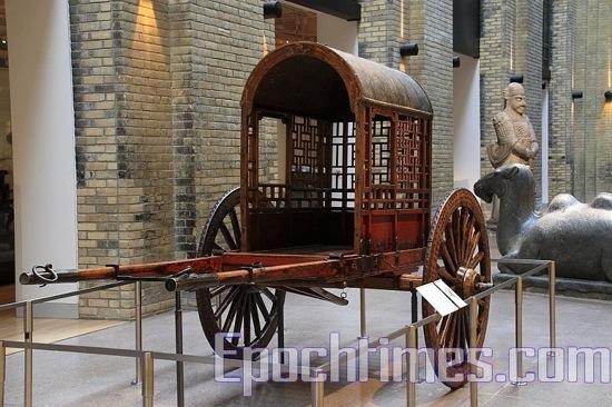 Повозка династии Цин. фото: Великая Эпоха