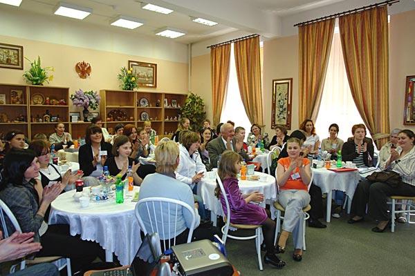 В русской традиции: чаепитие с пирогами! И спасибо великое. Фото: Нина Делакова