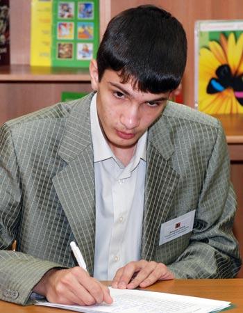 Тимур Давыдов, 16 лет, 3 место, Социальный приют «Алтуфьево»: «Когда-нибудь и у меня появится своя семья, мы будем делить и радость и горе вместе. Я сделаю так, чтобы мои дети были счастливы…»