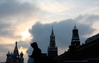 Так хочется остаться в России, в Москве… Но примет ли она нас? Фото: NATALIA KOLESNIKOVA/AFP/Getty Images