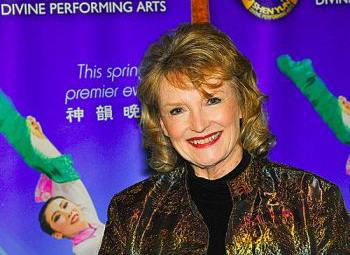 Кэролин Граймс  побывала на представлении труппы Shen Yun в театре Парамаунт в Сиэтле в пятницу вечером. Фото: Алекс Ли/Великая Эпоха