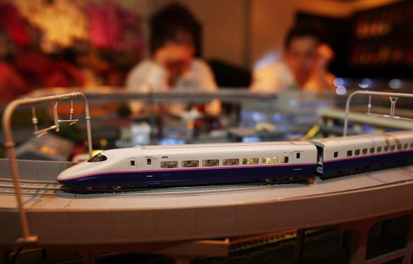 В баре Японии едет поезд. Фото:Junko Kimura/Getty Images