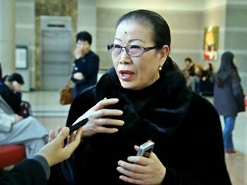Г-жа Эом Окзця, профессор департамента народных танцев в национальном университете Пусан