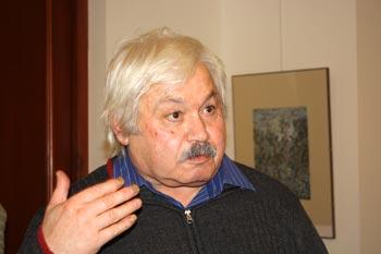 Известный армянский и русский переводчик, поэт, художник и мыслитель, обладатель   Золотой Пушкинской медали Ашот Аристакесович Сагратян: