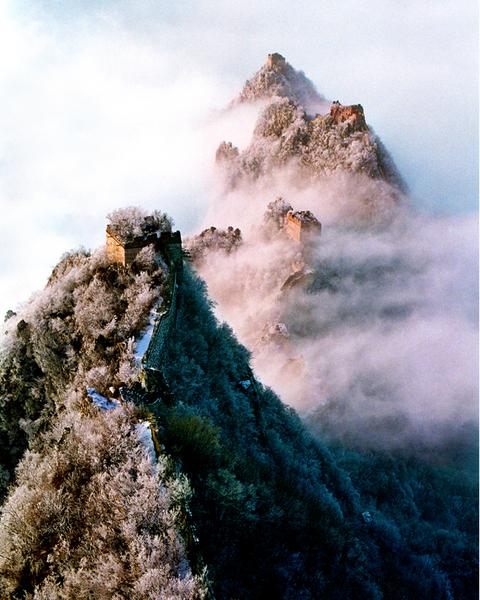 «Великая китайская стена в облаках». Автор: Чжипин Чзан из США