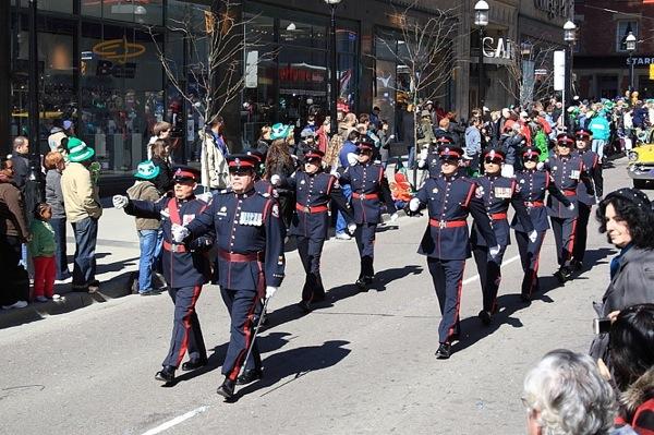 Парад ежегодного праздника Санкта-Патрика в Торонто. Фото: Дань Ли/Великая Эпоха