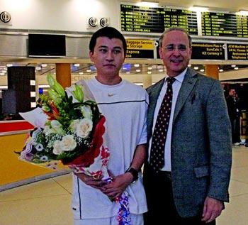 Чэнь Дэн и Алан Адлер, президент организации Друзья Фалуньгун. Фото с faluninfo.ru