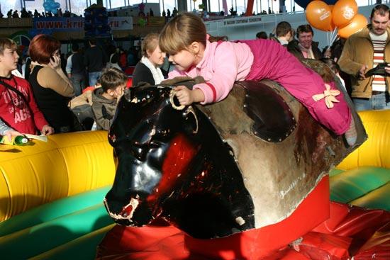 «Спортлэнд» - прекрасная возможность увидеть много нового и интересного, подарить большой праздник детям. Фото: Зоя Орленко/Великая Эпоха