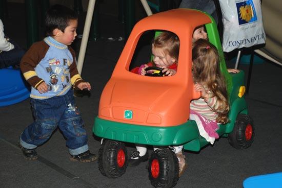 «Спортлэнд» - прекрасная возможность увидеть много нового и интересного, подарить большой праздник детям. Фото: Юлия Цигун/Великая Эпоха