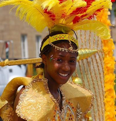 Красота и разнообразие головных уборов на  Карибском карнавале. Фото:Danli/Великая Эпоха
