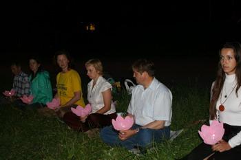 В Москве прошла мирная акция протеста, в связи с 10-летием начала репрессий в Китае над последователями Фалуньгун (Фалунь Дафа). Фото: Светлана Ким/Великая Эпоха