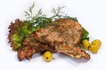 Аппетитное мясо в рекламе, слегка обжаренное... строительным феном. Фото: fototema.ru