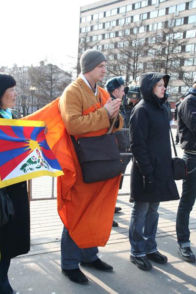 Акция протеста прошла 28 марта в Москве против  «насильственной и бесчеловечной» политики коммунистической партии Китая в отношении Тибета и самого Далай Ламы. Фото: Анатолий Белов/Великая Эпоха