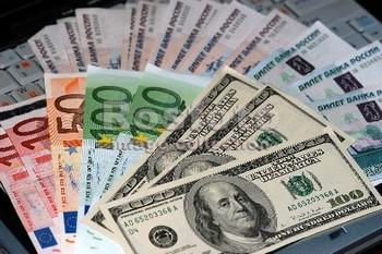 Иностранные инвестиции в экономику России сократились почти на треть. Фото с costaespera.ru
