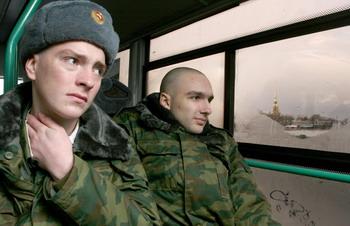 Новобранцы. Что их ждет? Фото: ROSTISLAV KOSHELEV/AFP/Getty Images