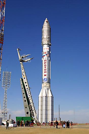 «Протон-М» 11.10.2004г. РКН установлена на ПУ. Фото с federalspace.ru