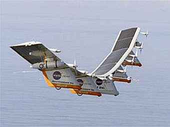 Самолет Helious, работающий на солнечных батареях. Фото NASA