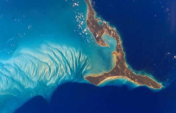 Багамы из космоса. Фото NASA.