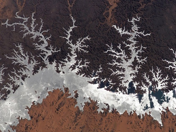 Озеро Насер в Египте, 2005 год. Фото NASA.
