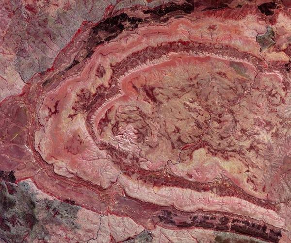 Кратер, Австралия. Фото NASA.