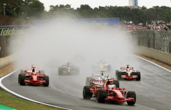 В Бразилии прошел заключительный этап чемпионата мира по автогонкам Формулы 1. Фото: VANDERLEI ALMEIDA/AFP/Getty Images