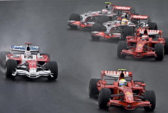В Бразилии прошел заключительный этап чемпионата мира по автогонкам Формулы 1. Фото: ANTONIO SCORZA/AFP/Getty Images