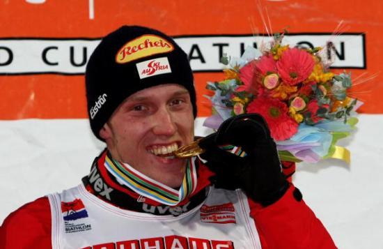 Российский биатлонист Иван Черезов завоевал бронзовую медаль чемпионата мира, который проходит в Пхенчхане (Южная Корея), в гонке с масс-старта на 15 км. Фото: Martin Rose /Bongarts /Getty Images
