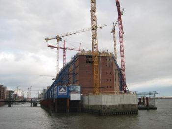 Гамбургский престижный проект «Филармония на Эльбе» - бездонная бочка для инвесторов? Фото: Тило Герке
