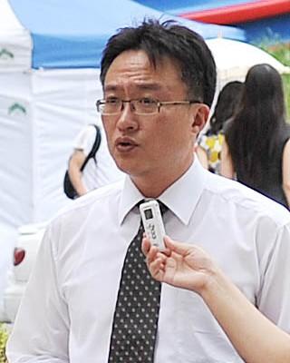 Г-н Парк, работающий в области финансов, считает, что абсолютно неправильно со стороны южнокорейского правительства высылать практикующих Фалуньгун из-за давления китайской компартии. Фото: Великая Эпоха