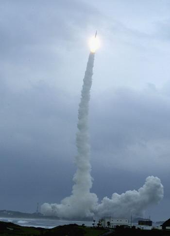 Совет безопасности Японии 27 марта принял решение сбить ракету КНДР или ее обломки, если они будут падать на японскую территорию. Фото: Koichi Kamoshida/Getty Images