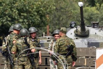 МВД Грузии заявило, что российские войска 11 февраля оккупировали территорию грузинского села Квемо Никози. Фото: MUSTAFA OZER/AFP/Getty Images