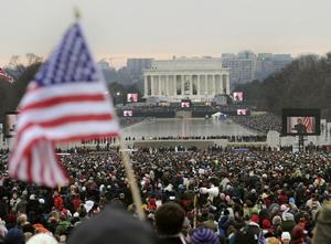 Праздничный концерт в Вашингтоне, открывающий серию мероприятий по инаугурации нового президента.  Фото: TIMOTHY A. CLARY/AFP/Getty Images