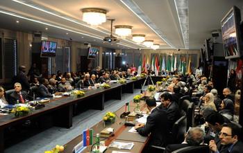 Страны-члены ОПЕК приняли решение оставить объемы добычи нефти, добываемой в марте 2009г. на прежнем уровне до 28 мая нынешнего года, до следующего заседания внеочередной сессии картеля. Фото: SAMUEL KUBANI/AFP/Getty Images